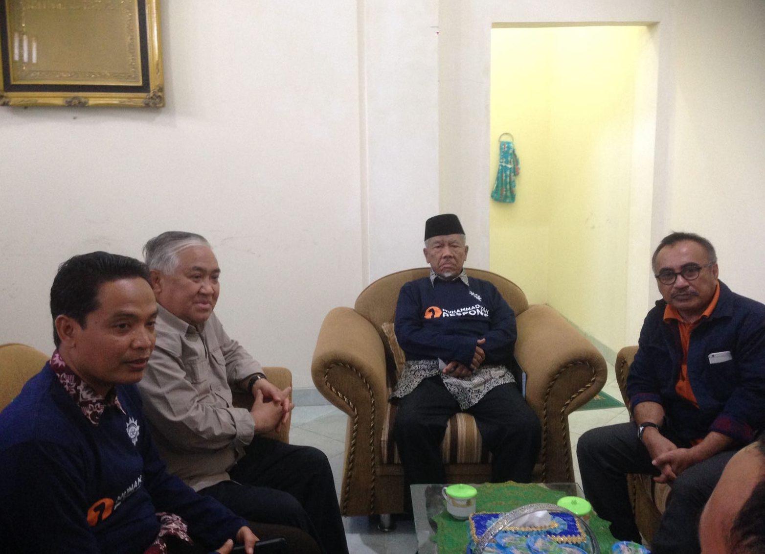 Prof Din Syamsuddin Kunjungi Posko Pengungsi Gempa Lombok