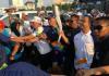 Anies Pelari Pertama Bawa Obor Asian Games