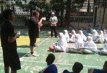 Pelatih Basket Jr NBA Kunjungi SMP Muhammadiyah 1 Simpon