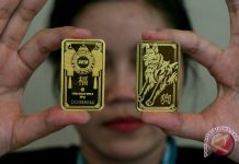 Emas Turun Tertekan Kenaikan Imbal Hasil Obligasi AS