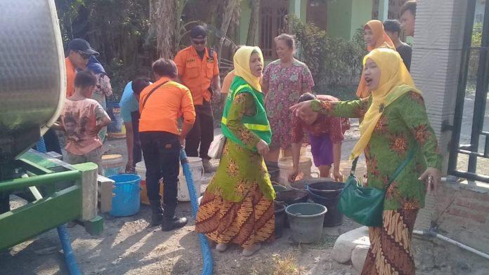 MDMC dan Aisyiyah Tegal Salurkan Bantuan Air Bersih