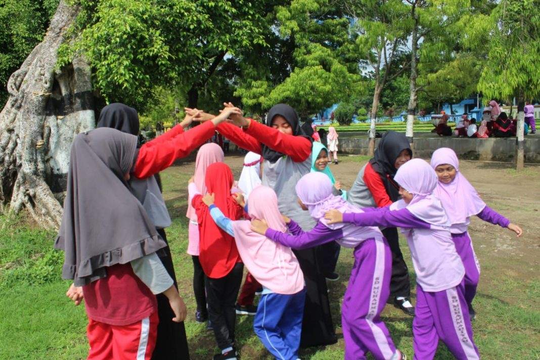 Pgsd Ump Purworejo Dampingi Permainan Tradisional Menara62