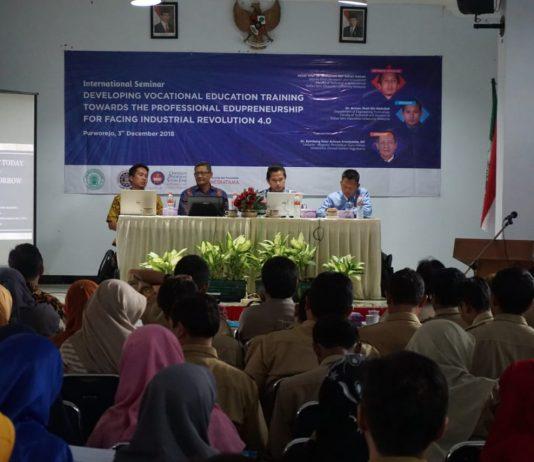 SMK Muhammadiyah Purworejo Adakan Seminar Internasional