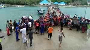 Evakuasi warga Pulau Sebes
