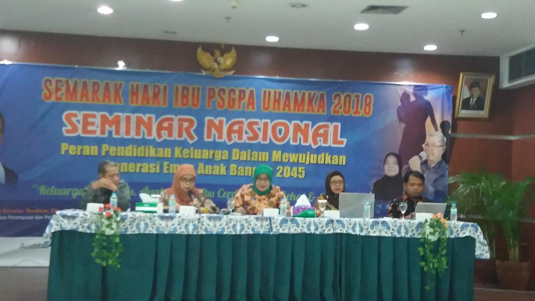 Seminar nasional Hari Ibu UHAMKA