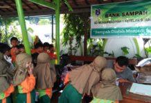 Bank sampah SD Muhammadiyah 1 Ketelan.
