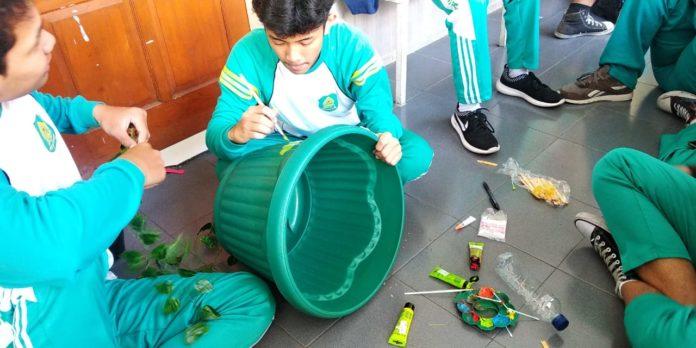 Jumat hijau, Jumat bersih di SMA Muhammadiyah 1 Surakarta