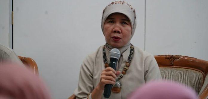 Sekretaris Direktorat Jenderal Kesehatan Masyarakat dr. Eni Gustina, MPH