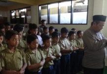 SD Muhammadiyah 24 Gajahan Surakarta Gelar Sholat Ghaib