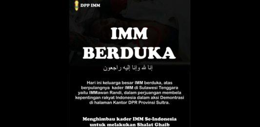 Aktivis IMM Shalat Ghoib di Depan Gedung Pusat Dakwah PP Muhammadiyah