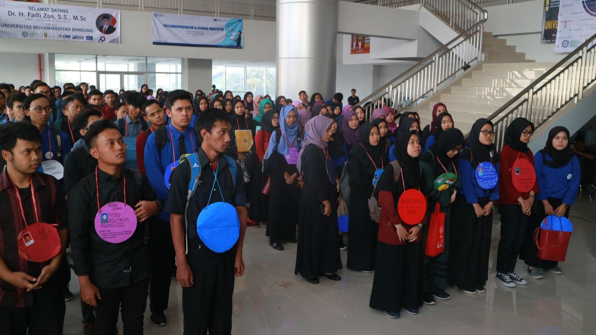 """Mahasiswa Baru UM Bandung Ikuti """"Pesonamu"""""""