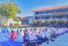 Siswa SMK Muhammadiyah Satu Shalat Gfaib Untuk Almarhum BJ Habibie