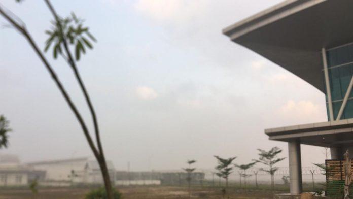 Bandara APT Pranoto Samarinda Berasap Pagi Ini