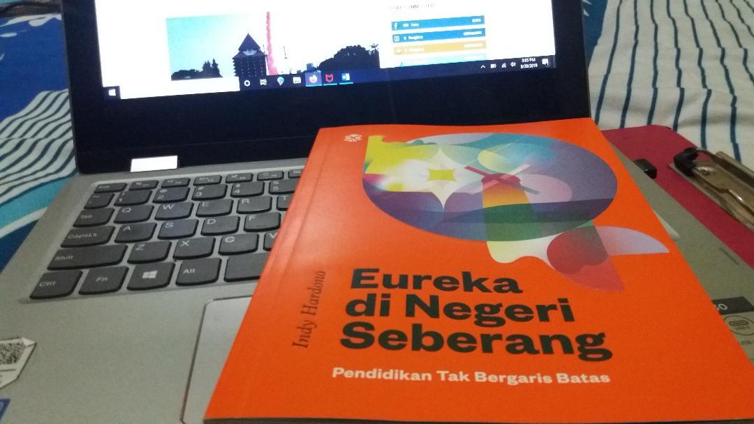 Buku Eurika di Negeri Seberang: pendidikan tak bergaris batas