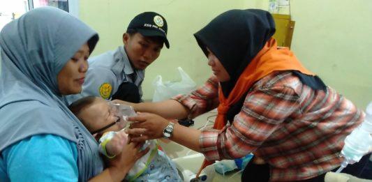 Relawan Mapala Muhammadiyah Lakukan Pengobatan Gratis