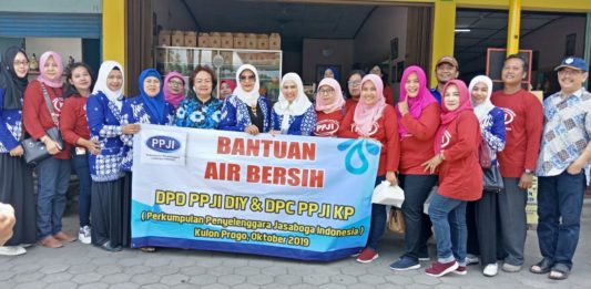 Penyelenggara Jasaboga Yogyakarta Beri Bantuan Air Bersih