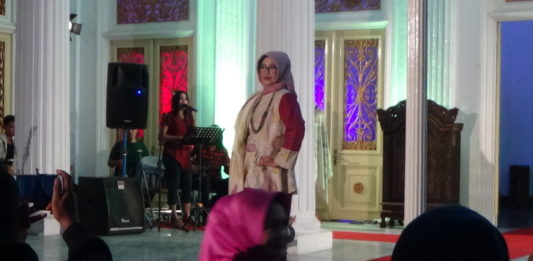 Fashion Show With Ecoprint di PTP IX Surakarta