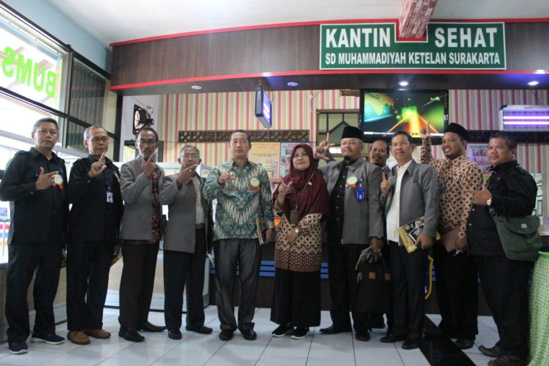 Kadisdik dan Dewan Pendidikan PALI Studi Banding di SD Muhammadiyah 1 Solo