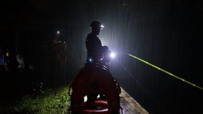 Petugas Masih Mencari Pelajar Yang Hanyut di Sungai Sempor