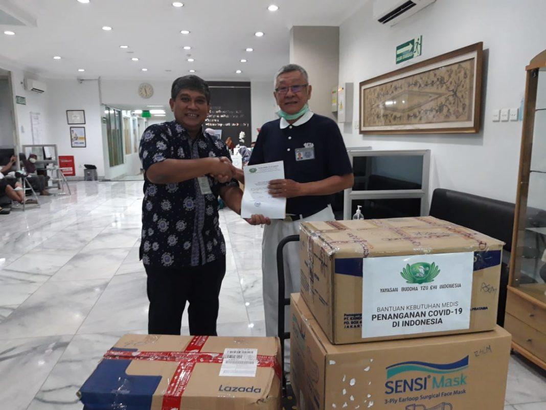 RSCM Mendapat Bantuan 4000 Masker dan 100 Baju Isolasi