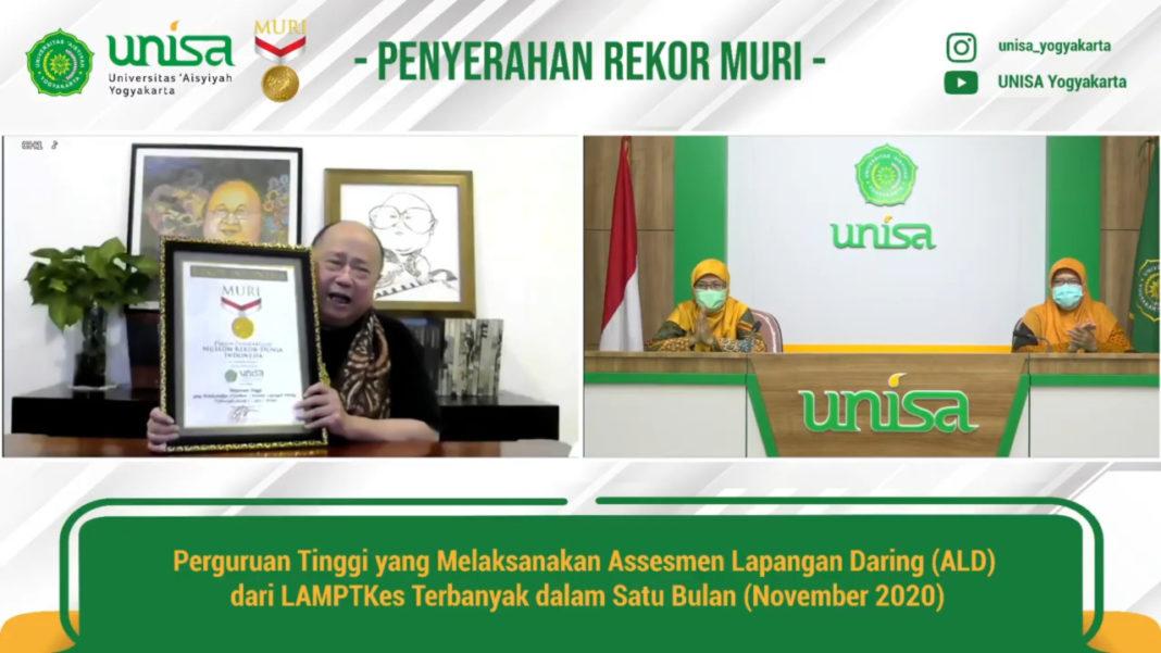 Penyerahan Rekor MURI oeh Jaya Suprana kepada UNISA Yogyakarta